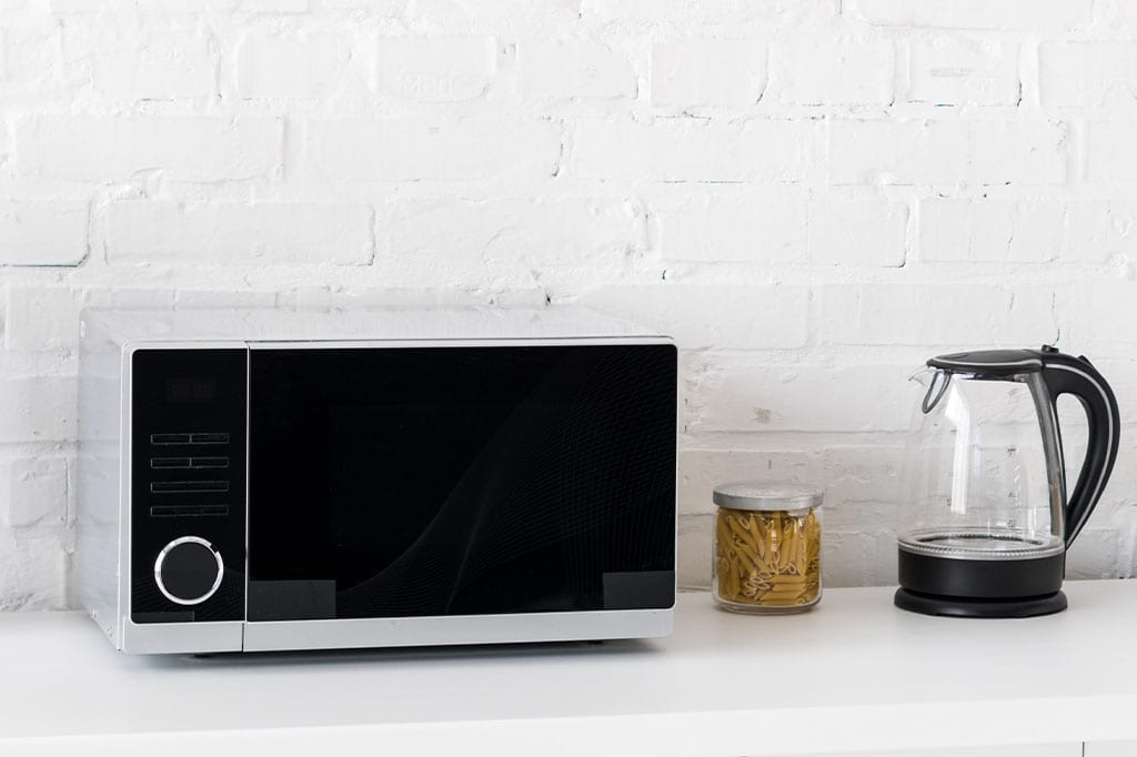Got a microwave? This appliance does more than heat-up leftovers and ready-meals. Here are 6 things you didn't know you could do with a microwave.